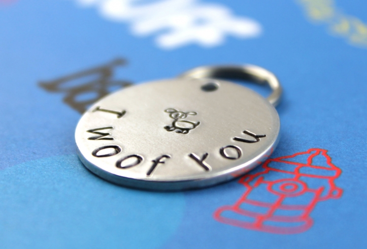 Customized metal dog ID tag - I woof you