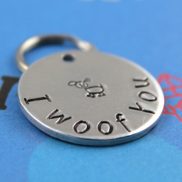 Customized cute pet tag - I woof you